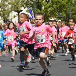 kids running in fun run